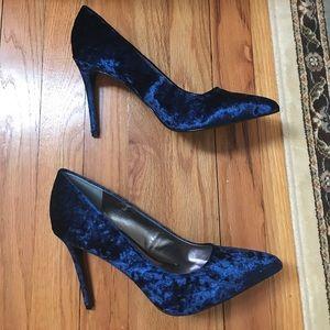 Blue velour size 9 Carlos by Carlos Santana heels